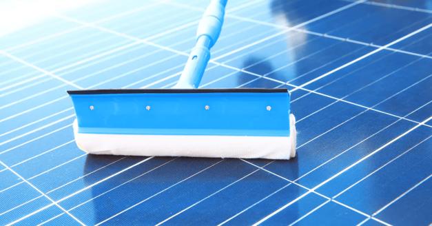 solar-panel-maintenance-cleaning